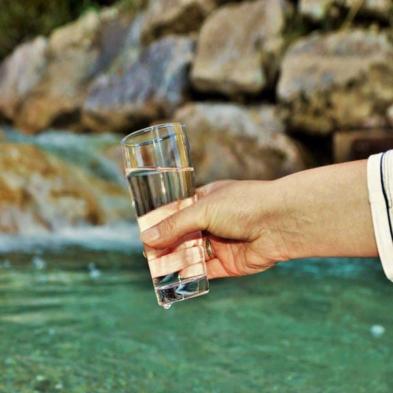 MINERAALVESI – miks on mineraalidega varustatud vee joomine hea?