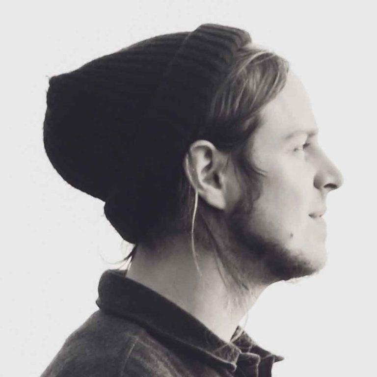 Kogemuslugu: Eesti muusik ja helilooja Mick Pedaja räägib taimetoitlasena oma kogemustest toidulisanditega.