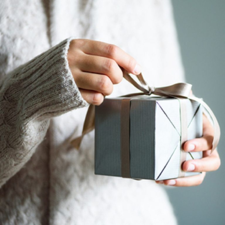 Mis võiks olla kõige väärtuslikum kingitus, mida oma perele, sõpradele või töökaaslastele teha? Siin on sulle 5 kingiideed!